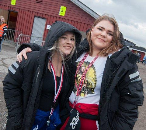 Knuter og treff: Ida Andreassen (19, t.v.) og Vilde Bjørnås (19) gleder seg til å feire starten på russetiden.