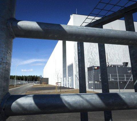 STRENGT: Det er ekstrem sikkerhet rundt datasenteret, som er en del av industriområdet på Heia.