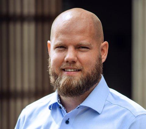 NYSATSING: Magne Kronstad vil vinne markedsandeler i lekeplass-Norge fra hjemmekontoret i Bølumgata.