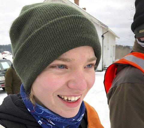 VANT I DEBUTEN: Hoblingen Simon J. Myhren fra Spydeberg skytterlag smiler etter å ha debutert i grovfelt med å vinne klasse 1.