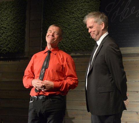 Arne Eggen og Glenn Erik Haugland i samtale.