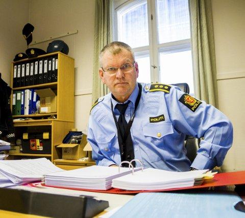 Mottok anmeldelse: Politistasjonssjef Odd Holum ved Risør politistasjon forteller at en kommunalt ansatt har anmeldt en person for «Seksuelle handlinger uten samtykke». Saken etterforskes.Foto: JWF / ARKIV