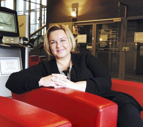 INVITERER: Kommunalsjef  Nina Tangnæs Grønvold håper så mange som mulig tar turen innom når Fredrikstad kommune åpner for at folk kan komme med  innspill til «Plan for heldøgns omsorg 2018 - 2040» lørdag 18. august og mandag 20. august.
