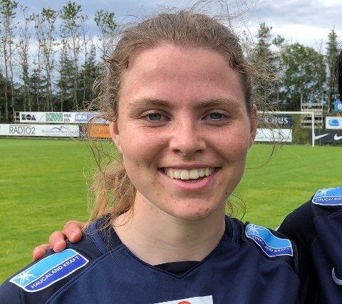 HEKTISK HVERDAG: Anna Østrem sliter med å kombinere toppfotball med musikklinja på Skeisvang videregående skole. I vår spiller hun for Haugar.