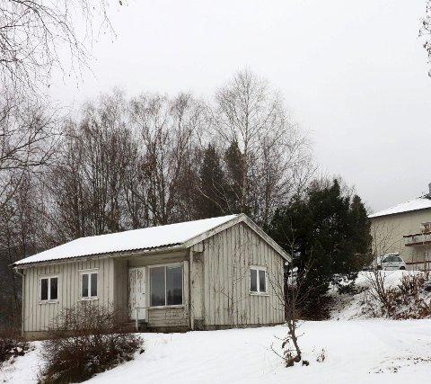 Vil kjøpe: Borger AS som driver omsorgsboliger i Hofveien 10 ønsker å kjøpe det lille huset i Hofveien 8.         Foto: Jarl Rehn-Erichsen