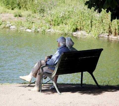 Eldreinntekt: Gjennomsnittlig bruttoinntekt for dem som er 62 år eller eldre i Norge ligger på knapt 430.000 kroner. I Holmestrand er snittet nesten 19.000 kroner mindre. Illustrasjonsfoto