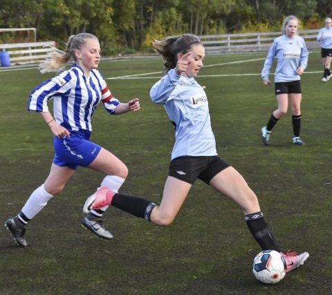 Mange sjanser: Begge lag produserte flere sjanser i kampen som endte 4-1 til Svolvær.