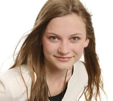 Klar for scenen: Emmy Kristiansen deltar i MGPjr med sangen «Aiaiaiai».Foto: Ole Kaland, NRK