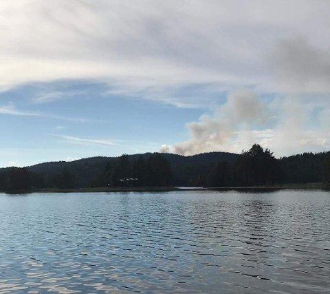 Det ryker kraftig på nordsida av Fjorden.