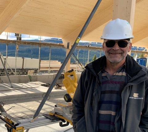 Det fungerte å søke etter ingeniør til Valdres som kan bo hjemme, forteller Arild Øvergaard i Norsk Massivtre AS.
