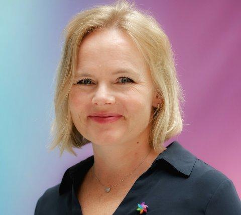 FORNØYD: Distriktssjef Christine Lager syntes det var godt gjort av årets romeriksruss å samle inn mer penger  enn det fjorårets russ klarte.