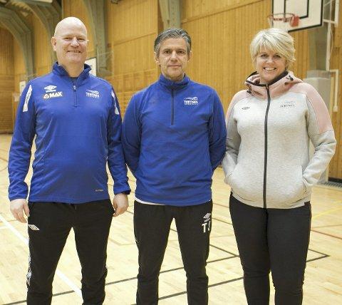 Georg Solvåg (t.v.) fra Tertnes Håndball, sammen med Tore Johannesen og Marit Brox.