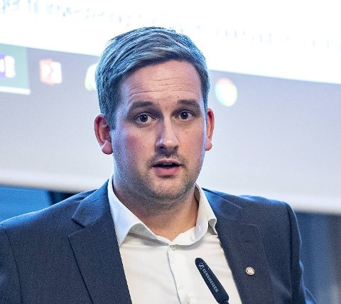 Folk blir eldre, og kommunen mener det vil føre til økte utgifter. Det gir finansbyråd Håkon Pettersen (KrF) en hel del å tenke på. HÅKON PETTERSEN