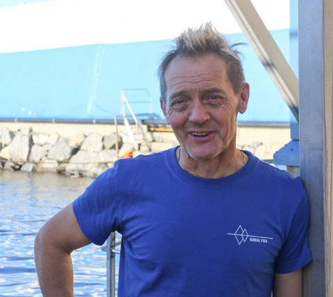 TEKNISK LEIAR: Helge Langeland trivst med måsen rundt seg. Foto:AHJ