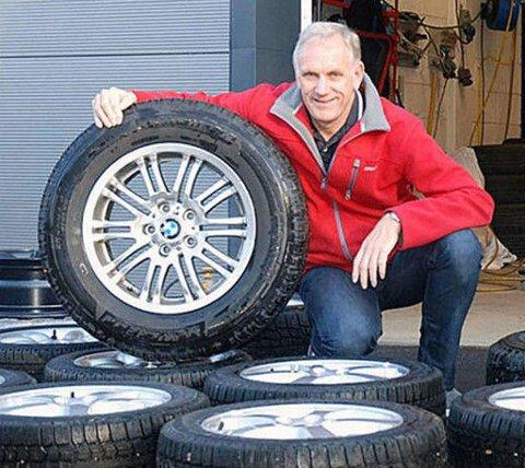 EKSPERT: Benny Christensen er Brooms bilekspert og har mange år bak seg i bilbransjen.
