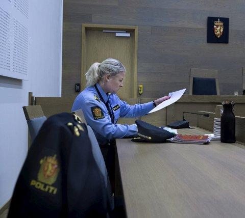 Taus: Politiadvokat Trine Hanssen vil ikke fortelle om den siktede mannen tidligere er straffet. Foto: Asbjørn Risbakken, OA