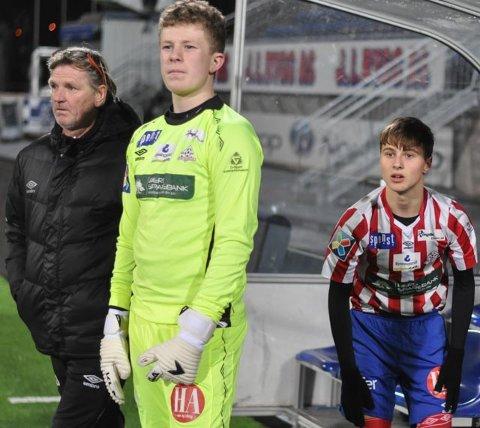 DEBUTERTE: Kent Bergersen (fv) slapp til guttespillerne Ludvig Wille og Uranik Seferi mot Sarpsborg 08.
