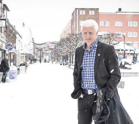 FLERE: Einar Busterud gleder seg over at flere vil bo i Hamar.