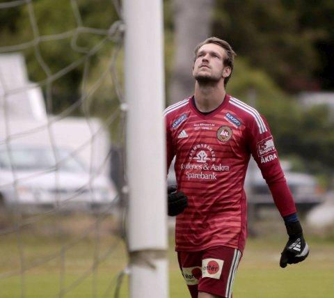MEGET GOD: Åkra-keeper Stein Tore Haavik var meget god da Vard ble stoppet i cupen søndag kveld.