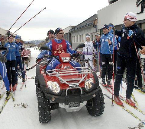 STOLT VINNER: Børre Næss vant Bysprinten både i 2007 og 2008. Han var superglad for ATV-en han fikk i førstepremie etter sin andre seier.  FOTO: PER VIKAN