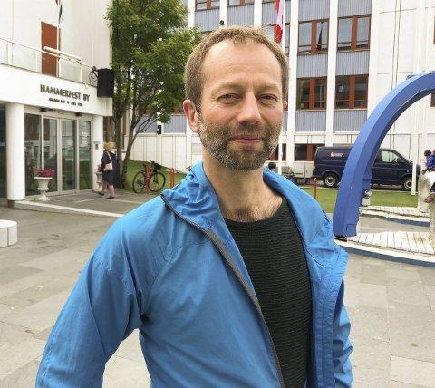 PÅ TIDE: - Det er på tide at Hammerfest Ap tar innover seg at de ikke lenger har flertall i kommunestyret, sier Senterpartiets gruppeleder Lodve Svare.