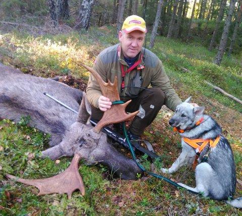 Robert Holt skjøt en 10-taggers elgokse tidligere i elgjakta.