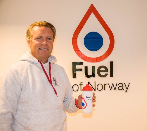 UTMERKER SEG: Erlend Søraker (45) vinner Ringerikes gründerpris 2019 for suksessen med Fuel of Norway.