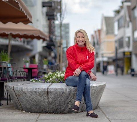 PRØVER: Annelin Tangen gleder seg til å se resultatene av prøveprosjektet som snart iverksettes.