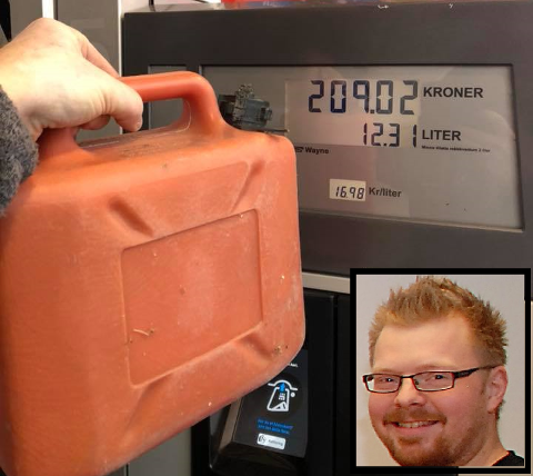 Fredrik (innfeldt) måtte betale for 12.31 liter da han ikke fylte 5-literskanna full.