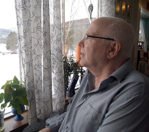HAN HAR OVERSIKTA: Herman Bremer har samla inn informasjon om Hafslovatnet langt tilbake i tid.