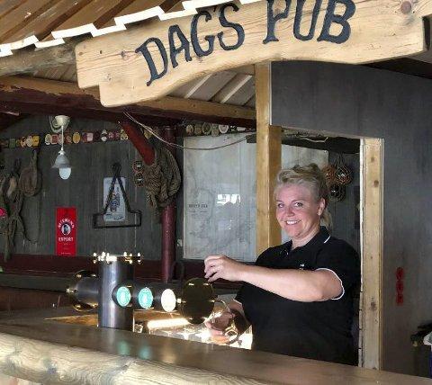 Utrolig leit: - Vi har holdt ut lenge nå, men nå er vi nødt til å sette opp aldersgrense. Det forteller eier av Dags pub, Maria Aanby.