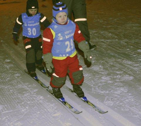 INGEN TUR: Disse to guttene fikk testet skiføre under poengrennet i starten av januar i 2016. To år senere ødelegger været muligheten for skiglade barn og voksne.