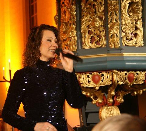 TAPTE INNTEKTER: Trine Rein mener annonseblemme fra Amedia førte til at hun tapte store summer. Her fra konserten i Tingelstad kirke.