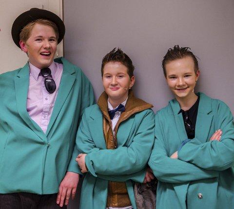 Dyktige: Hovedpersonene i stykket er som kjent Benny, Kjell og Egon. Spilt av Martin Kingsrød Larsen (14) (f.v.), Mads Østerman Wibe (10) og Krista Tryggvadottir (13).