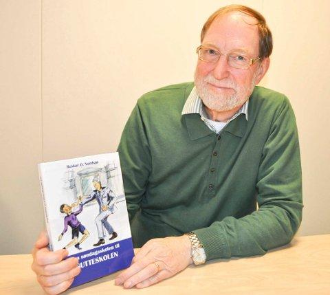 BOK OG MIMRING: Reidar Nordsjø kommer i løpet av året med sin tredje bok. Den skal handle om guttene på Gutteskolen, og nå inviterer han til mimrekveld for å få flere historier.