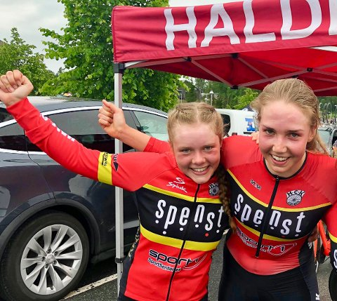 TIL IRLAND: Elise Olsen (tv) og Ann Helen Olsen tester formen under et etapperitt i Irland denne uka.