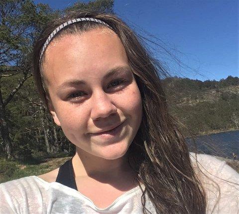 UTSETTER: 20 år gamle Astri Moen Heisholt fra Kongsberg hadde planlagt å gå Norge på langs i sommer. Studier og korona-situasjonen satt en stopper for det. Foto: Privat