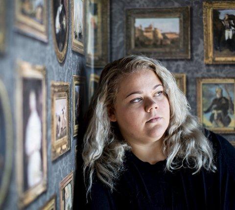 Hver eneste dag streifer tanken om de seksuelle overgrepene forfatter Mariela Årsandøy Steensrud. Men hun har lært seg å leve med angsten, og skriver seg nå sakte, men sikkert ut av traumene.Foto: Tom Gustavsen