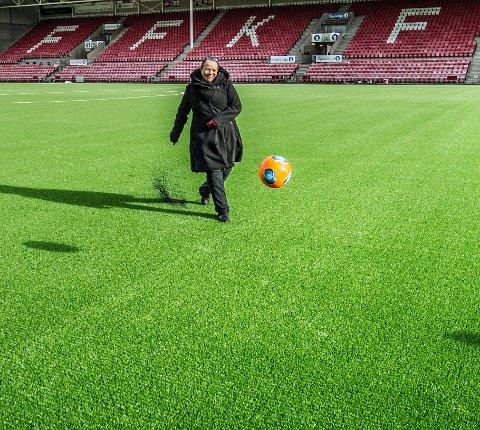 Camilla Sørensen Eidsvold, Befaring på det nyekunsgresset på Fredrikstad stadion