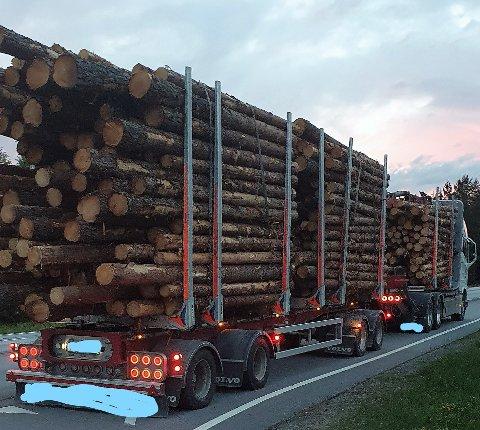 BRÅSTOPP: Firmaet fikk bot, og sjåføren ble anmeldt etter mobilkontroll av Statens vegvesen.