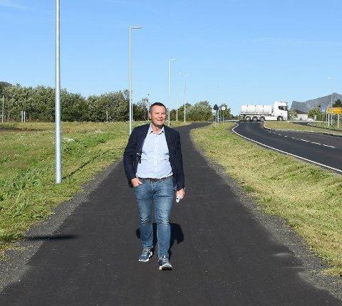 GÅR GODT: - Vi er veldig godt fornøyd med 2020, sier Ketil Benjaminsen som eier og driver Lofotsportbua.