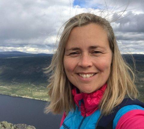 I NØD: Trine Lunde Marthinsen har vært til god hjelp for en kollega i nød. Etter brannen i romjulen har hun samlet inn mye penger til familien som ble rammet.