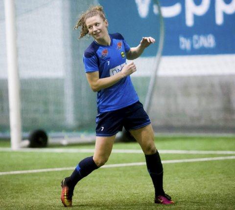 Ny ettårskontrakt: Synne Skinnes Hansen spiller også for LSK kvinner i 2018. Foto: Lisbeth Lund Andresen