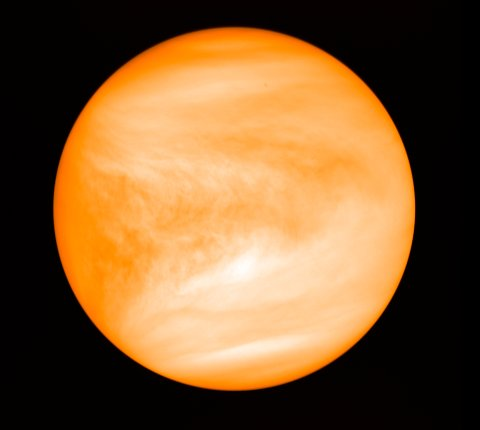 Gassen fosfin, som på jorden knyttes til mikrober som trives i oksygenfrie omgivelser, er nylig oppdaget på Venus. Foto: Nasa (Reuters)