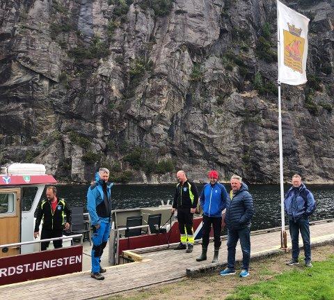 INSPEKTSJON: Rådmennene i Lister utgjør styringsgruppen i Skjærgårdstjenesten i Lister. I går fikk de se blant annet se skjærgårsanlegget Torsøy i Flekkefjord.