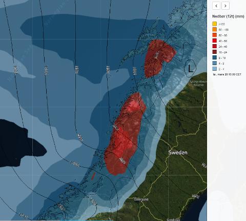 Dette viser nedbøren mellom 07.00 og 19.00 lørdag morgen. Lavtrykket ligger klokken 19.00 på svensk side, men kun tre timer tidligere lå det over Lofoten, så det går altså relativt hurtig.