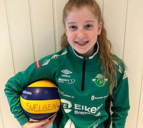 TALENT: Frida Bueie, 14 år skal på nasjonal volleyball-samling i april.