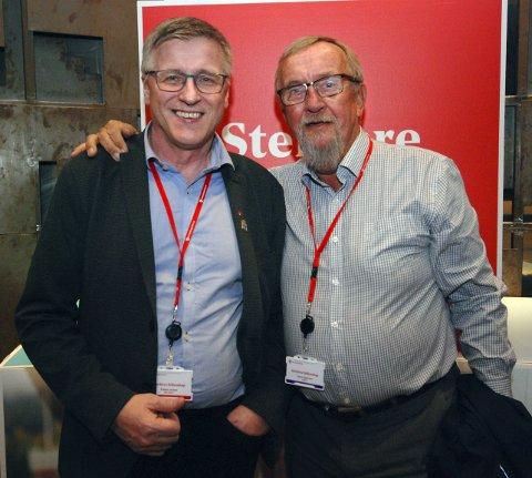 VARDØVÆRINGER: Det ble et både varmt og trivelig møte da ordfører Robert Jensen i Vardø endelig fikk mulighet til en lang samtale med tidligere LO-leder Yngve Hågensen.