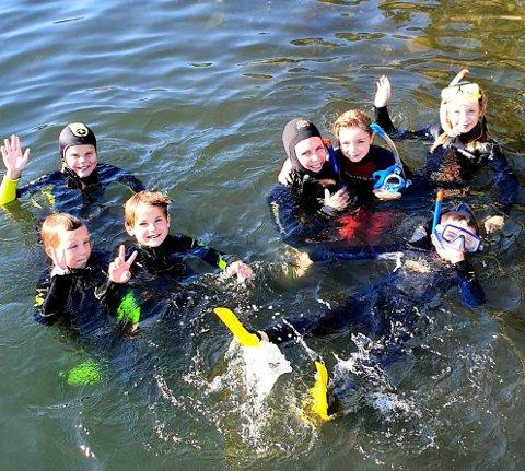 GLAD GJENG: For noen var torsdagen s familedag det frøste møtet med livet under vann.