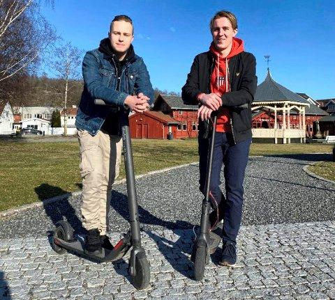 ELSPARKESYKLER: – Sandefjord er et fint sted å begynne, mener Edvard Lunde Huseby (t.v.) og Espen Bast Sørsdal.